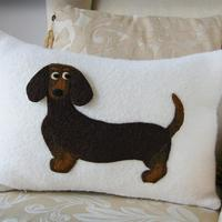 A friend of mine has a lovely little sausage dog called Gracie. She was the inspiration for this design.