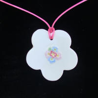 Porcelain necklace with forget-me-not detail