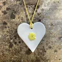 Porcelain necklace with primrose detail