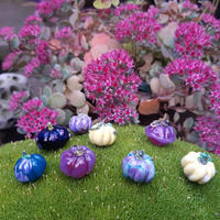 Tiny glass collectable pumpkins
