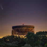 Hello. Comet NEOWISE over the Lovell Telescope.