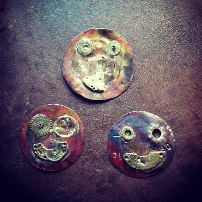 Clock part Face brooches