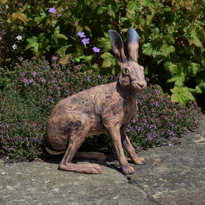 Hare in stoneware clay with oxides.