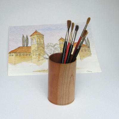 Brush pot