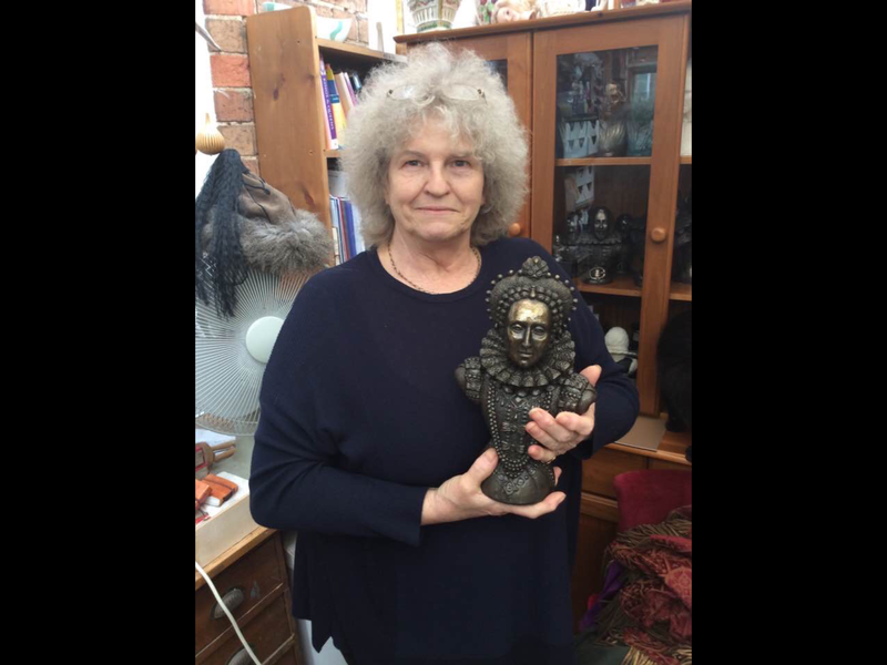 Jude with the small size Armada Portrait bust of Elizabeth I